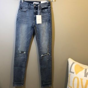 🆕NWT Kancan High Rise Ankle Skinny Size 3/25